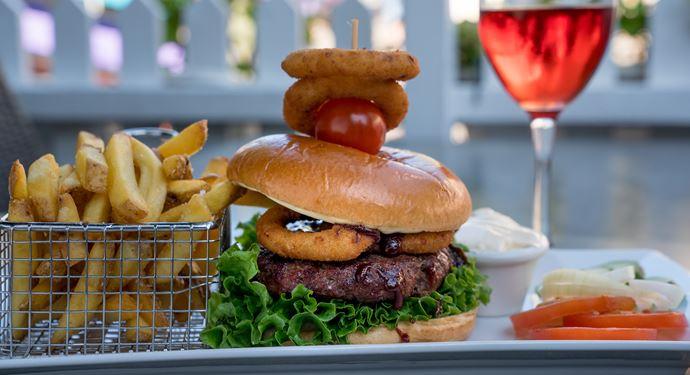 Bakkens restauranter tilbyder et bredt udvalg af skønne lækkerier