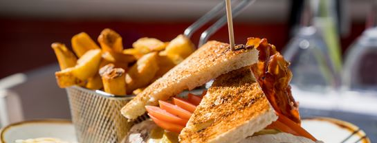 Bakken Mad Roede Port Club Sandwich