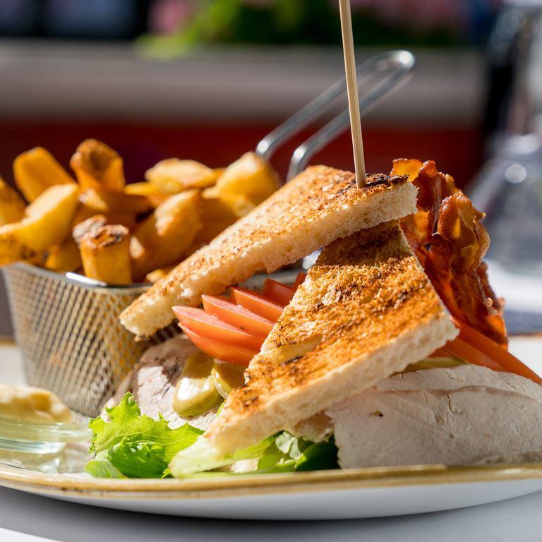 Røde Port - Club sandwich på Bakken