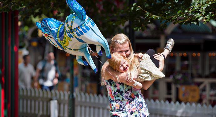 Bakken Spil Sjov Familie Stemning Ballon Familiedag