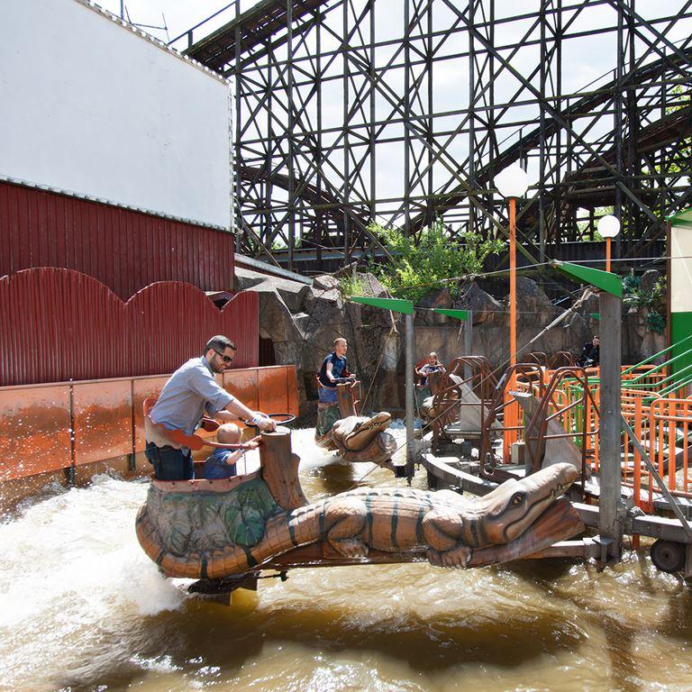 Prova Dillen på Bakken - En vattenkarusell för stora och små