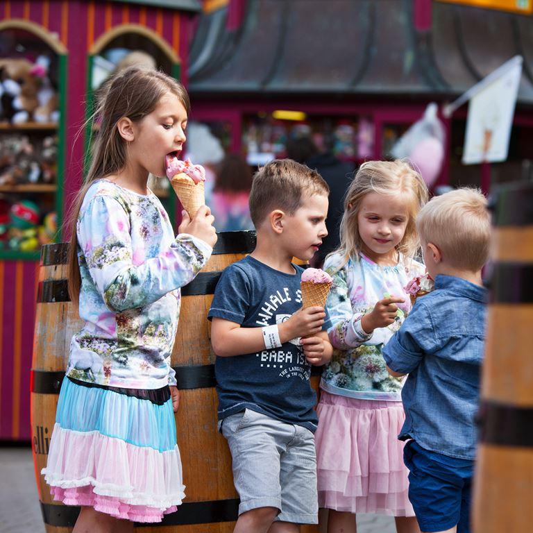 Bakken Cafe Is Fastfood Unge Stemning Vaffelis