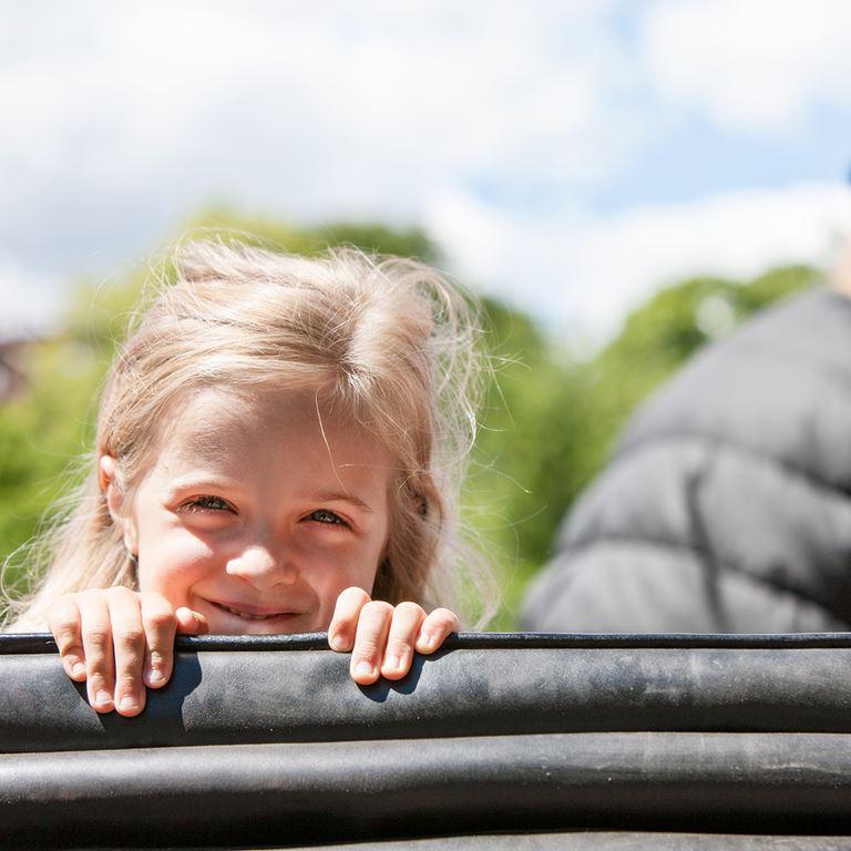 Besøg verdens ældste forlystelsespark - Bakken - som ligger nord for København!