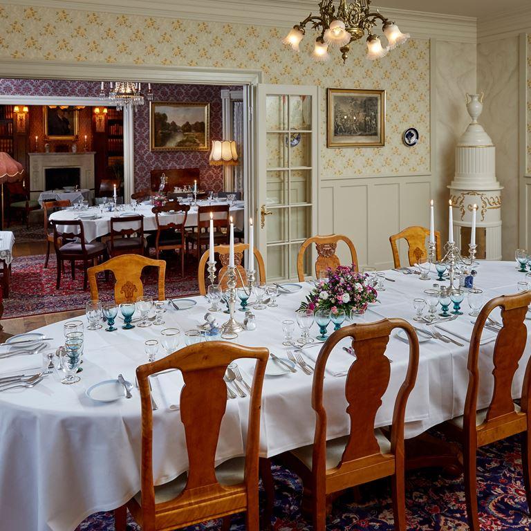 Hos Varnæs - kalasl och lunchbord