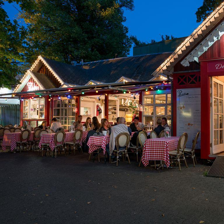 Bakken Restaurant Al dente Gruppe Middag Aften stemning
