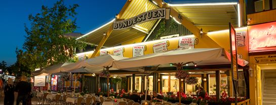 Bakken Restaurant Bondestuen Facade Aften Foedselsdag