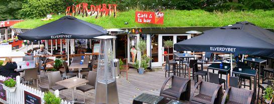 Bakken Cafe Is Fastfood Elverdybet Facade