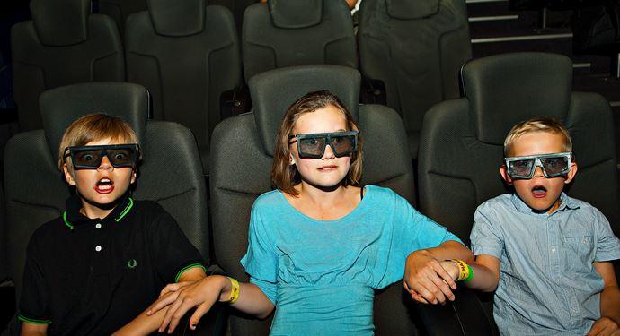 Bakken Forlystelse 5D Cinema Gruppe Ung Familie Biograf Koebenhavn