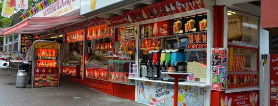 Bakken Cafe Is Fastfood Ami Isbar Delikatessen Facade