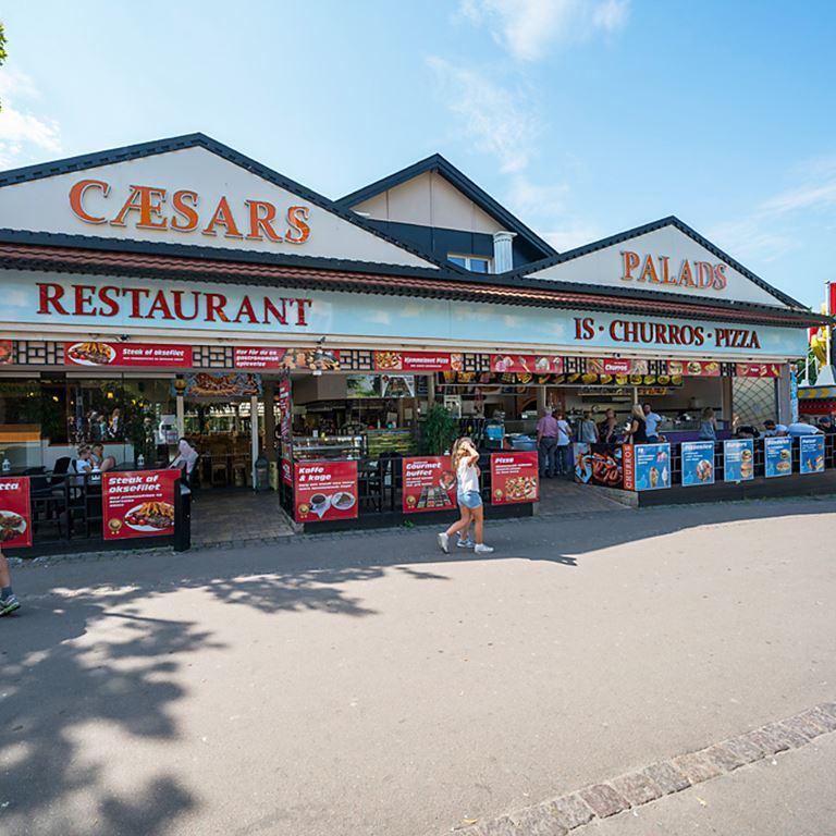 Bakken Cafe Is Fastfood Caesars Palads Facade