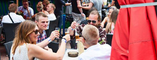 Bakken Cafe Is Fastfood Plaenebaren Gruppe Voksen Nordsjaelland Oeltour
