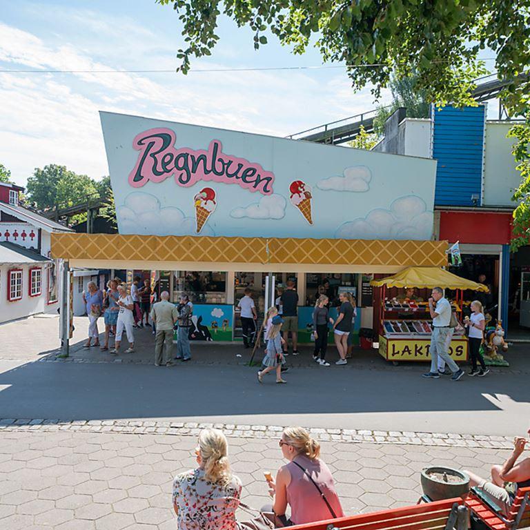 Bakken Cafe Is Fastfood Regnbuen Facade