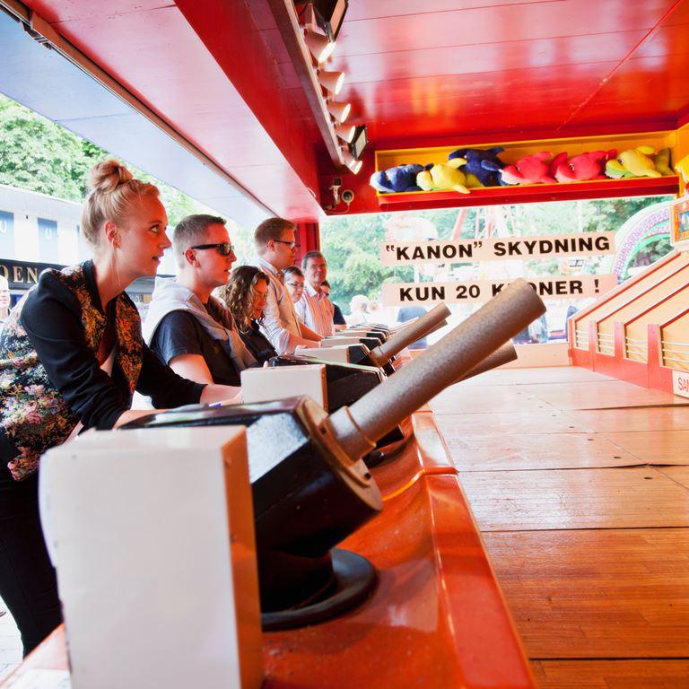 Bakken Spil Sjov Boom Ball Gruppe Voksen Aktivitet i Koebenhavn