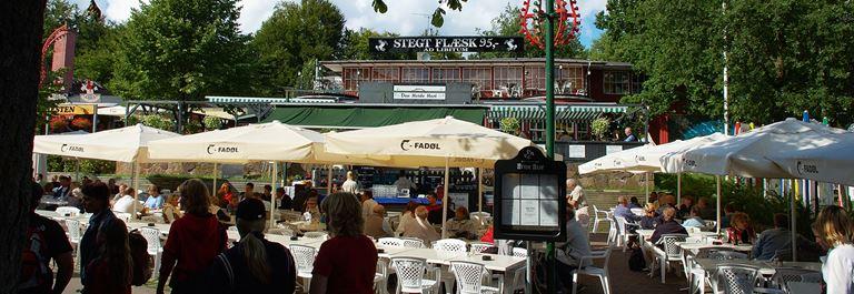 Bakken Restaurant Hvide Hest Facade Sommer