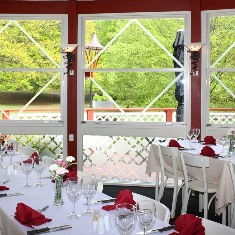 Bakken Restaurant Roede Port Middag Bordopstilling