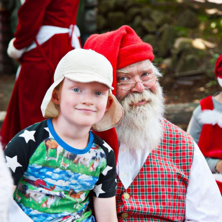 Julemanden i Nisseskoven - Mød ham om sommeren på Bakken