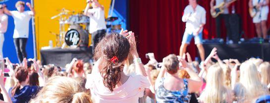 Bakken Stemning Underholdning Koncert Gaester
