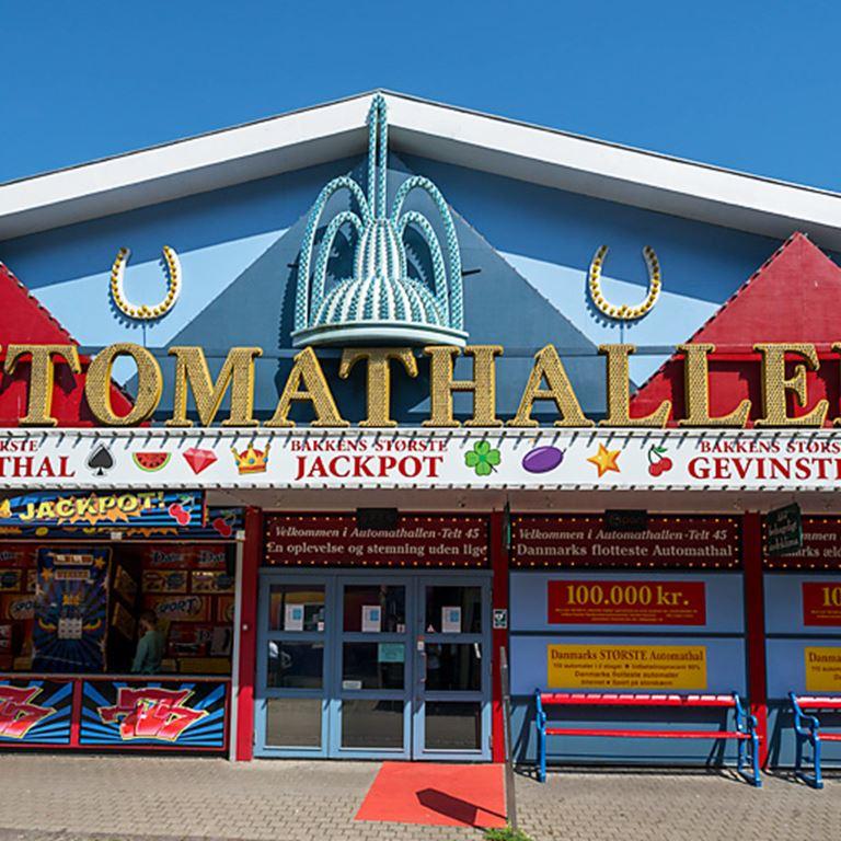 Prøv lykken i spillehallen Automathal 45 på Bakken!