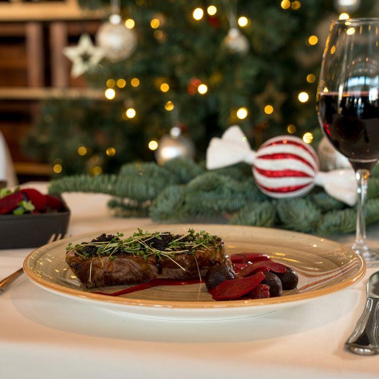 Lækker julefrokost på Bakkens restauranter