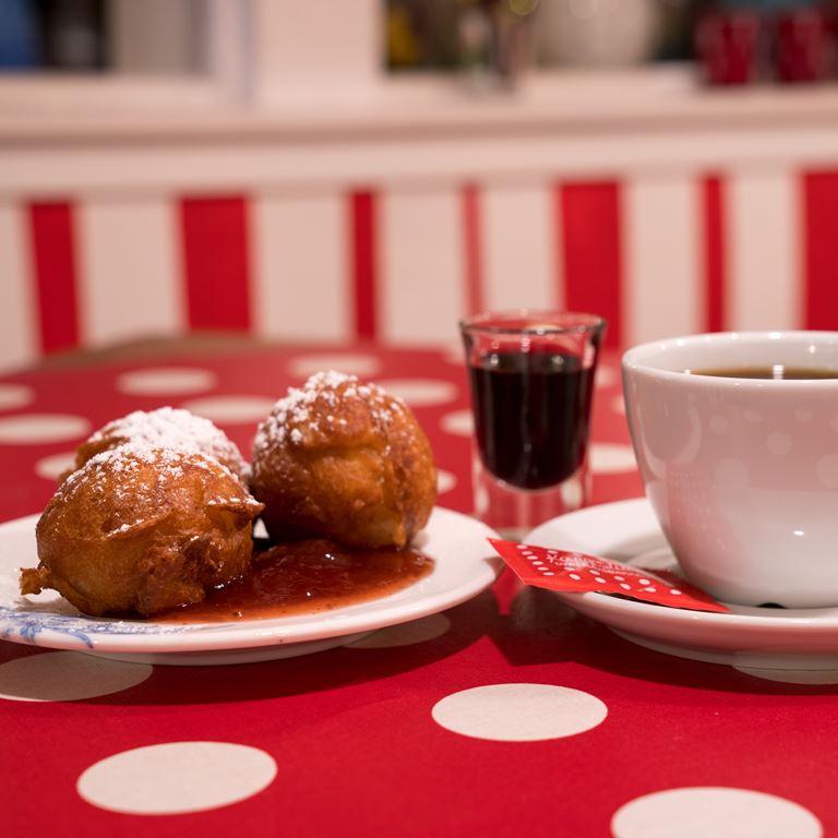 Jul Paa Bakken Aebleskiver Kaffe