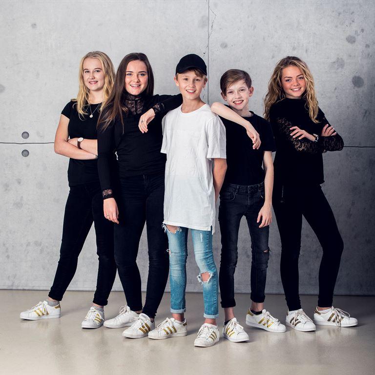 Oplev sidste års MGP vinder Bastian, når der er gratis-koncert på Friluftsscenen d. 27. april.