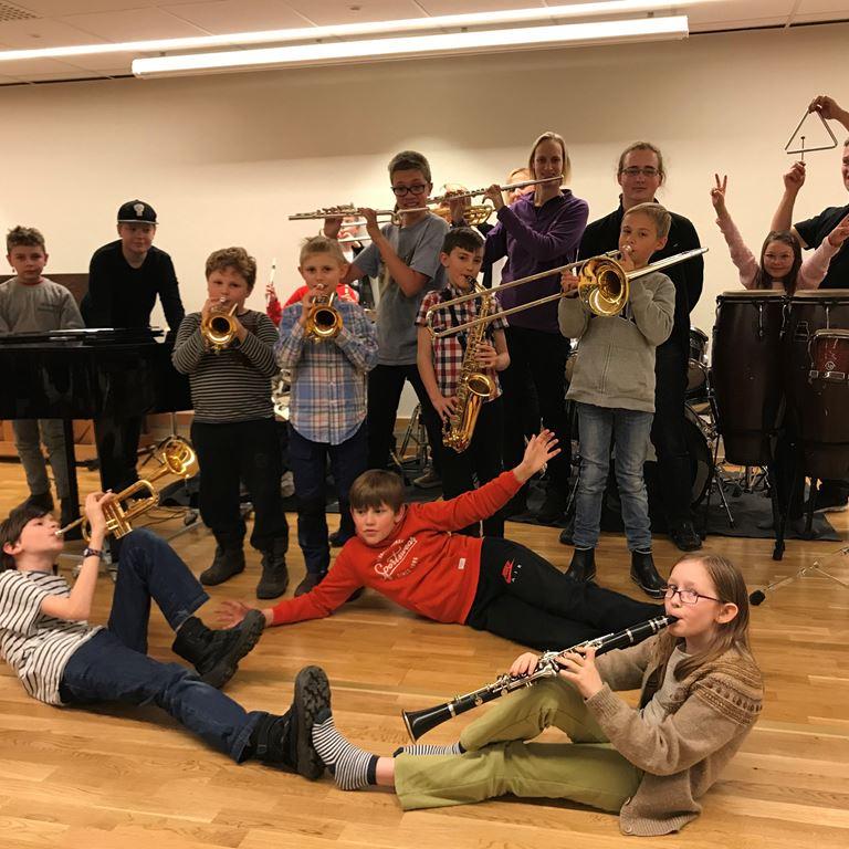 Oplev Svedale Kulturskoles festlige blæseorkester d. 26. maj