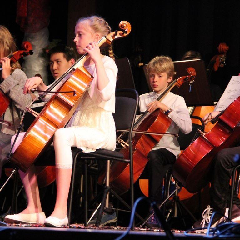 Oplev Mölndal Kulturskoles Big Band og Symfoniorkester på Bakken