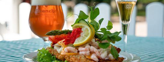Boegly Restaurant Smoerrebroed Rejer Fiskefillet Mad Drikke Oel Snaps