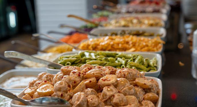 Bakken Skovly Buffet Salat Groent Mad Restaurant