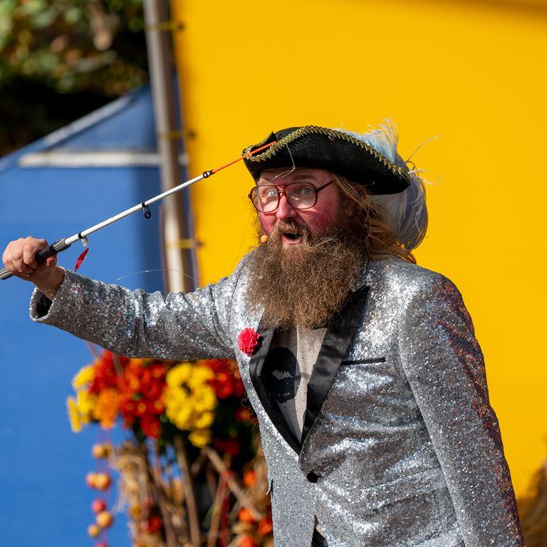 Oplev Onkel Rejes nye show på Bakken i efterårsferien!