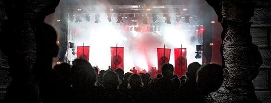 Bakken Underholdning CoverTirsdag Pink Floyd The Wall