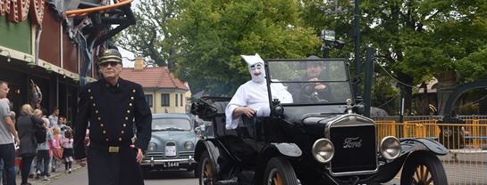 Bakken Underholdning Veteranbiler Optog 2018 Pjerrot Panserbasse
