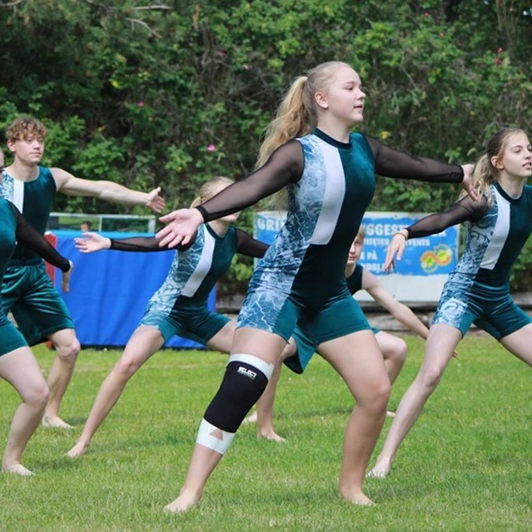 Oplev de dygtige gymnaster fra Jernløse Gymnastikforening , når de gæster Bakken.