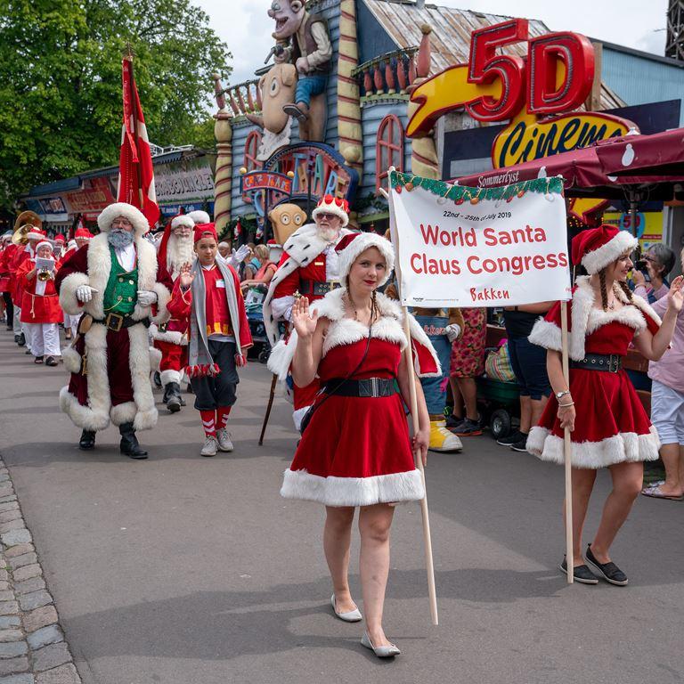 Baken Jul i Juli Julemaendenes Verdenskongres 2019 Parade