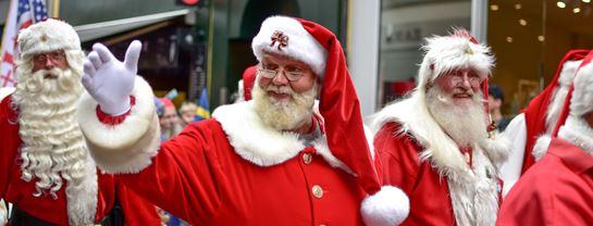 Bakken Jul i Juli Julemaendenes Verdenskongres 2019 Parade Julemanden Niels Pres