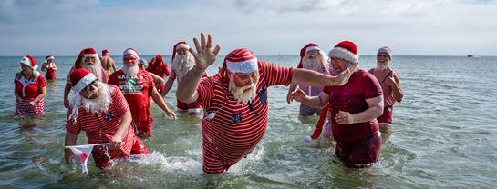 Bakken jul i juli Julemaendenes Verdenskongres 2019 Fodbad Bellevue (1)