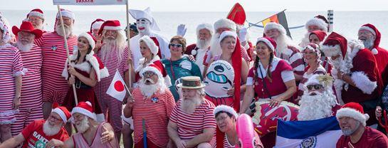 Bakken Jul i Juli Julemaendenes Verdenskongres 2019 Fodbad Bellevue Strand Gruppefoto