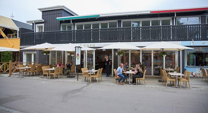 Laura Restaurant