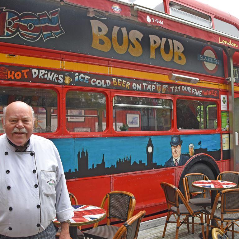 Alex Holm Presse London Bus Fødselsdag Teltholder 2020